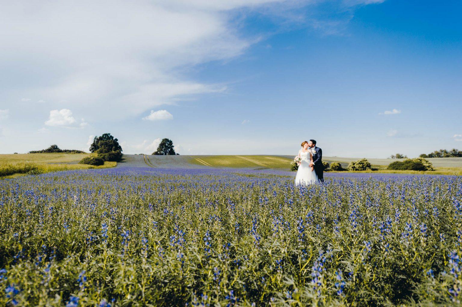 Hochzeitsportrait im Feld