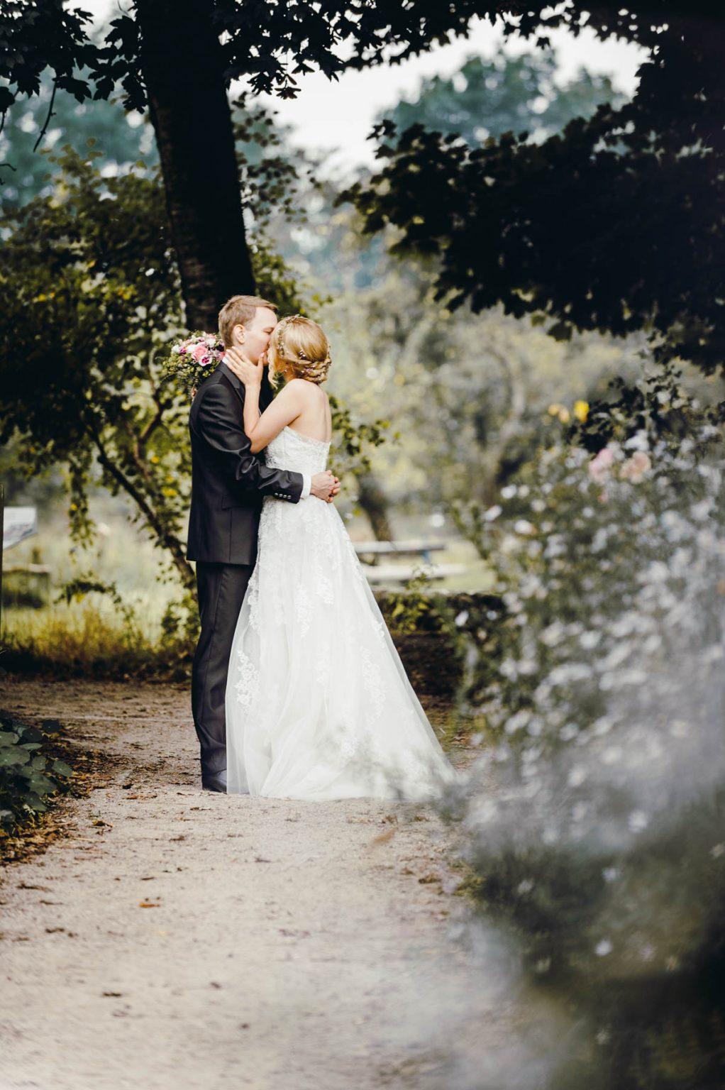 Hochzeitsportrait im Wald