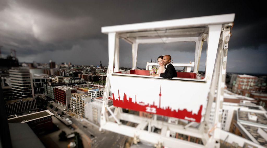 Hochzeitsportrait im Riesenrad Hafencity Hamburg